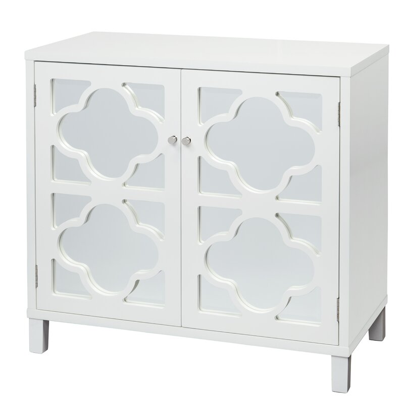 Mussle white mirrored cabinet